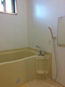 沖縄の家具付物件のお風呂場