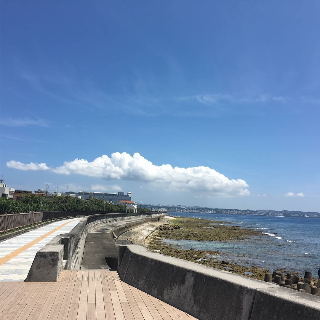 北谷町にある宮城海岸の遊歩道