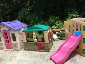 うるま市にあるミニミニ動物園の遊具