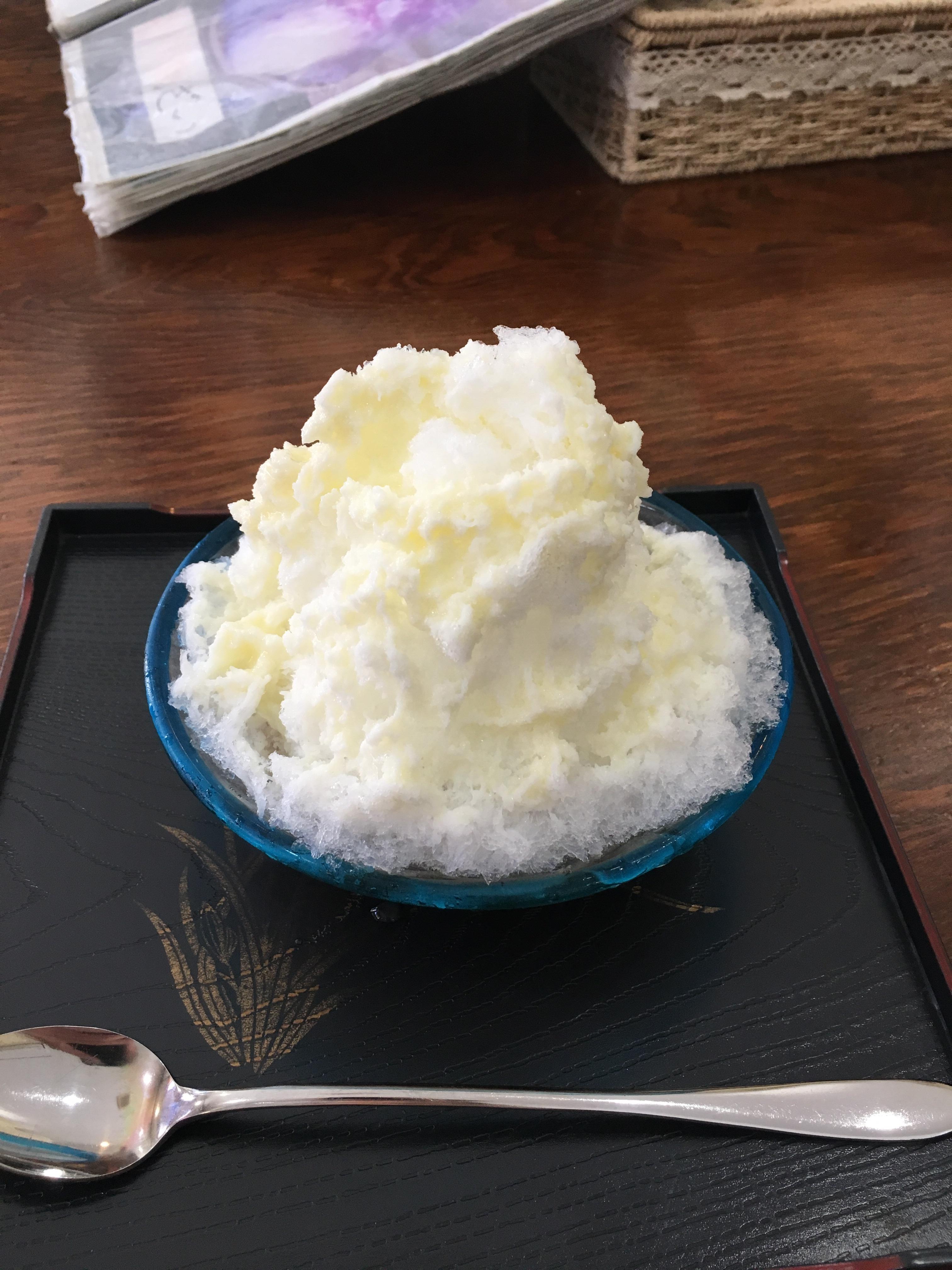 鶴亀堂ぜんざい のミルクぜんざい