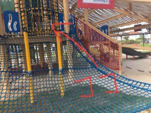 沖縄市の若夏公園の遊具