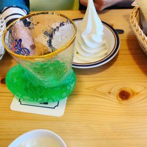 コメダ珈琲店のクリームソーダ