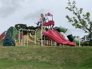 本部町にある公園の遊具